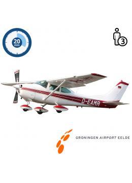 Trail lesson | Flight lesson | Sightseeing Flight Cessna 182 Skylane Groningen Airport Eelde (20 minutes)