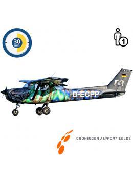 Proefles | Vliegles | Rondvlucht Cessna 150 Aerobat Groningen Airport Eelde (30 minuten)